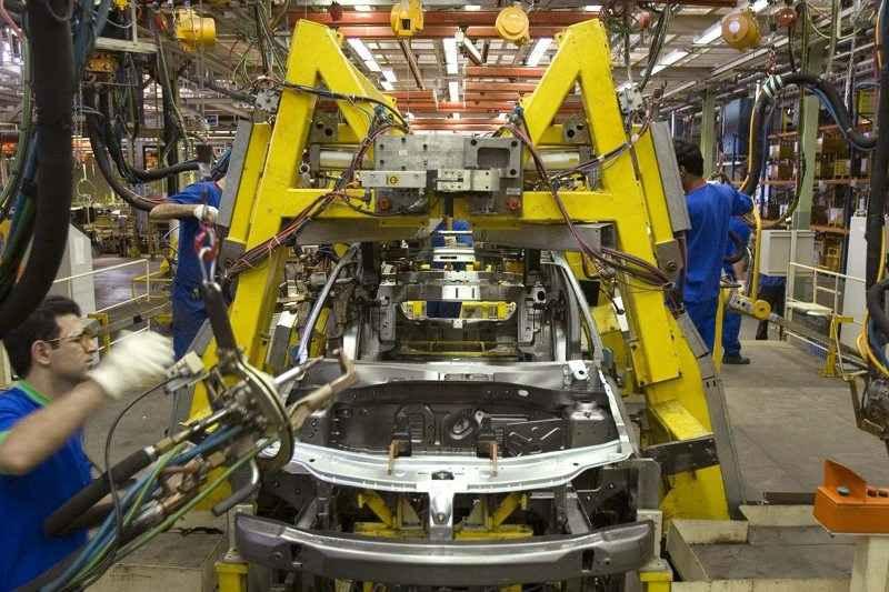 تولید خودرو به میزان رفع نیاز بازار ادامه می یابد
