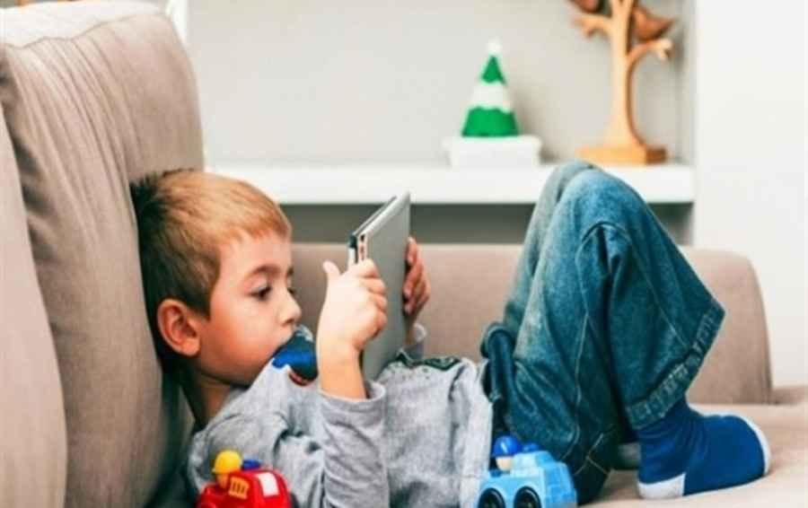 کودکان تنها نتیجه حضور افراطی درفضای مجازی است
