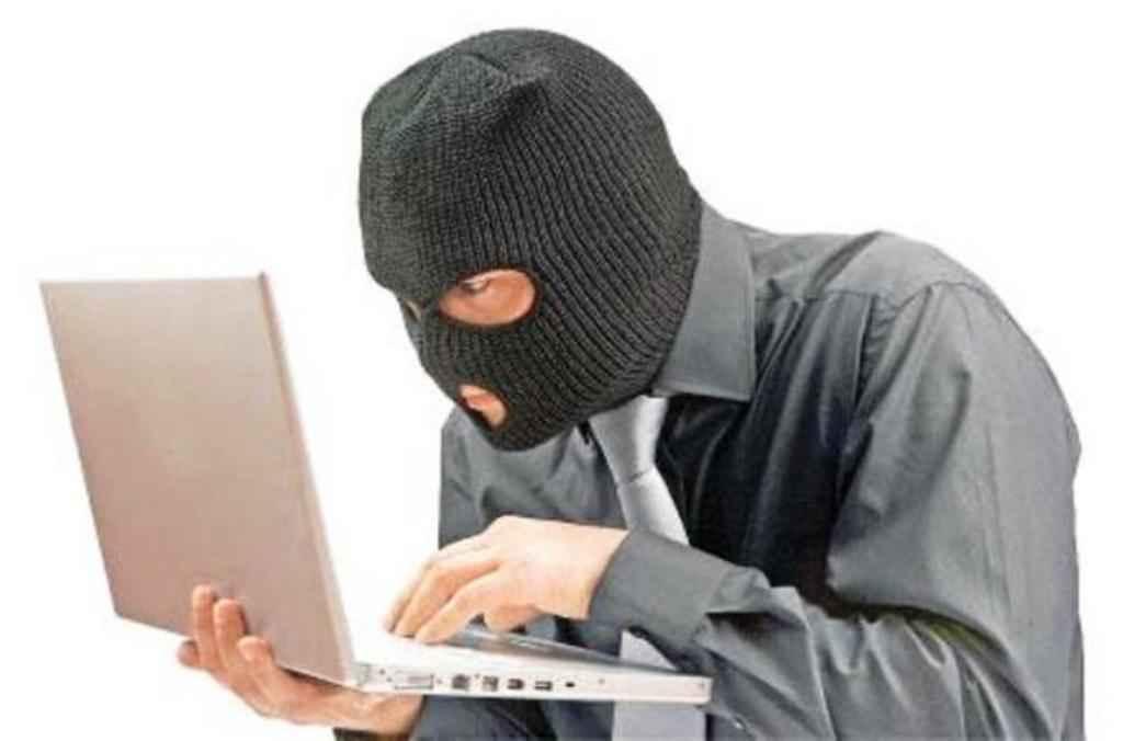 متهم اینترنتی انتشار عکسهای خانوادگی درایلام دستگیر شد