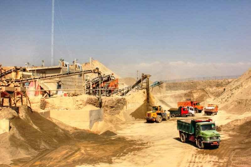 ۲ واحد تولید بتن و سنگدانه در دهلران تعطیل شد