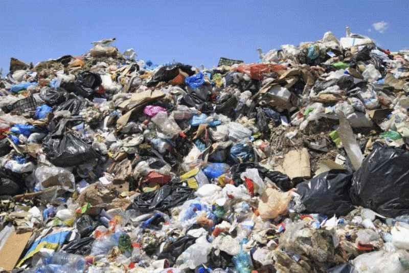شهرداری ایلام از سرمایه گذاری برای بازیافت زباله حمایت می کند